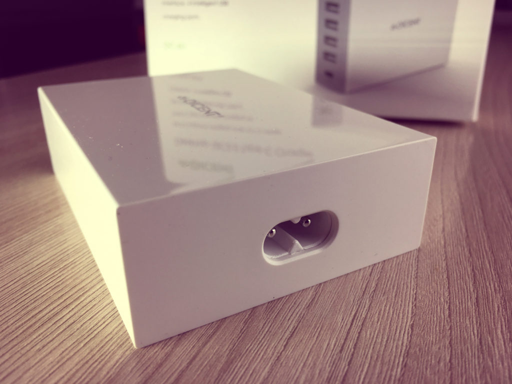 QICENT - ЗАРЯДНАЯ СТАНЦИЯ НА 6 USB ПОРТОВ